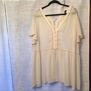 Torrid 4 Cream button blouse
